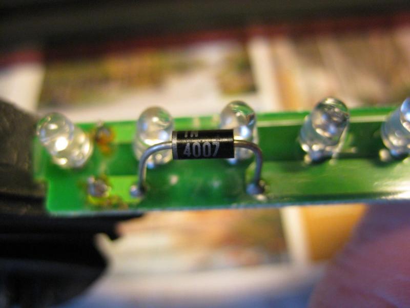 IMG_2480, ny diode innsatt, tilfeldig brukt 1N 4007, 1000V 1A.JPG
